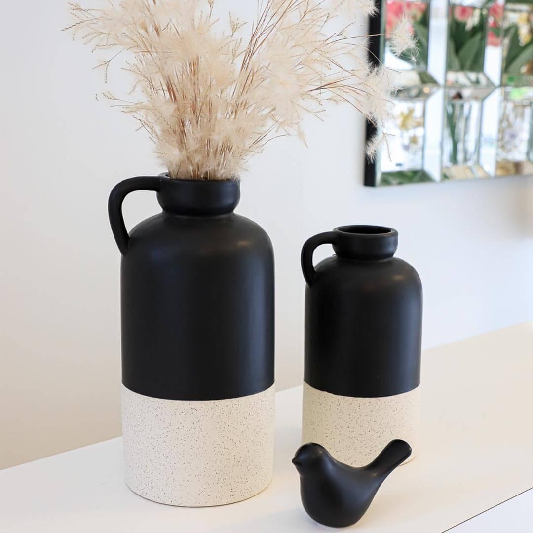 Detalhe Vaso Cerâmica Preto e Branco G
